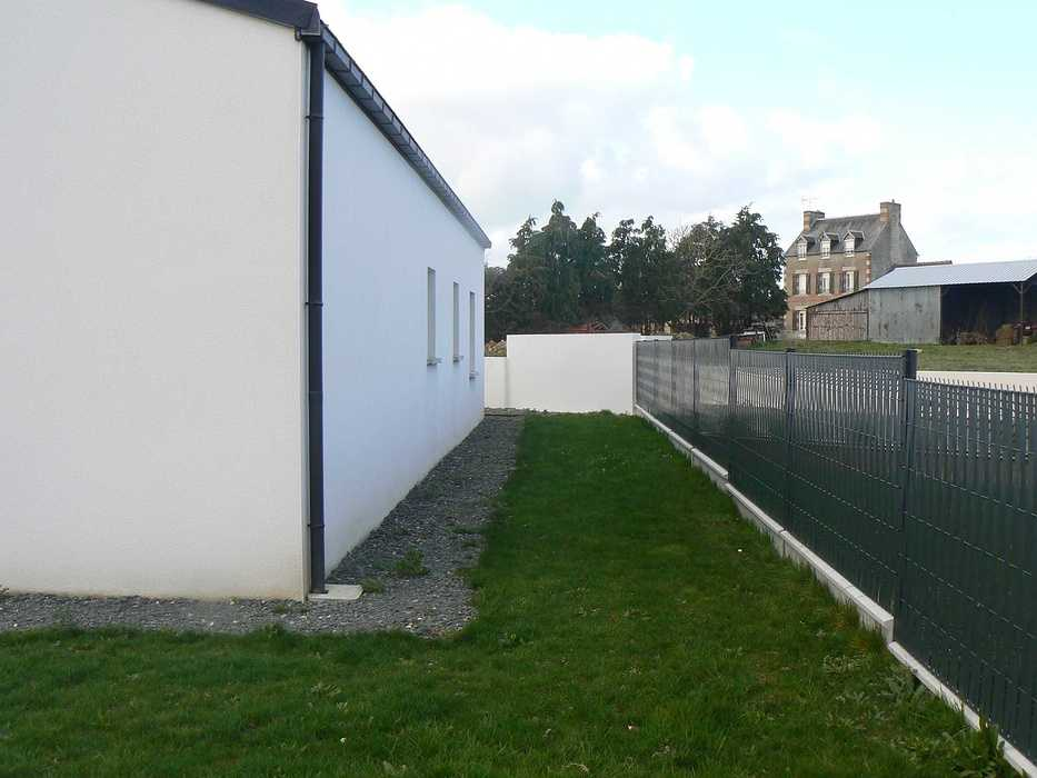 Réaménagement de la terrasse et de la cour - HILLION p1320091