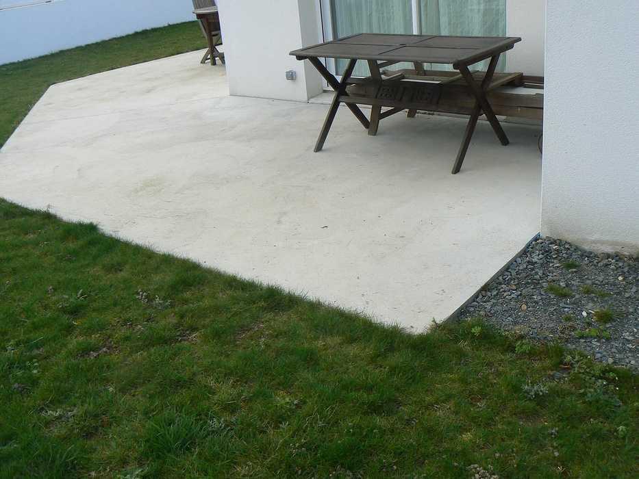 Réaménagement de la terrasse et de la cour - HILLION p1320094