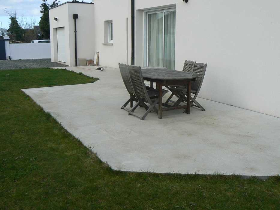 Réaménagement de la terrasse et de la cour - HILLION p1320097