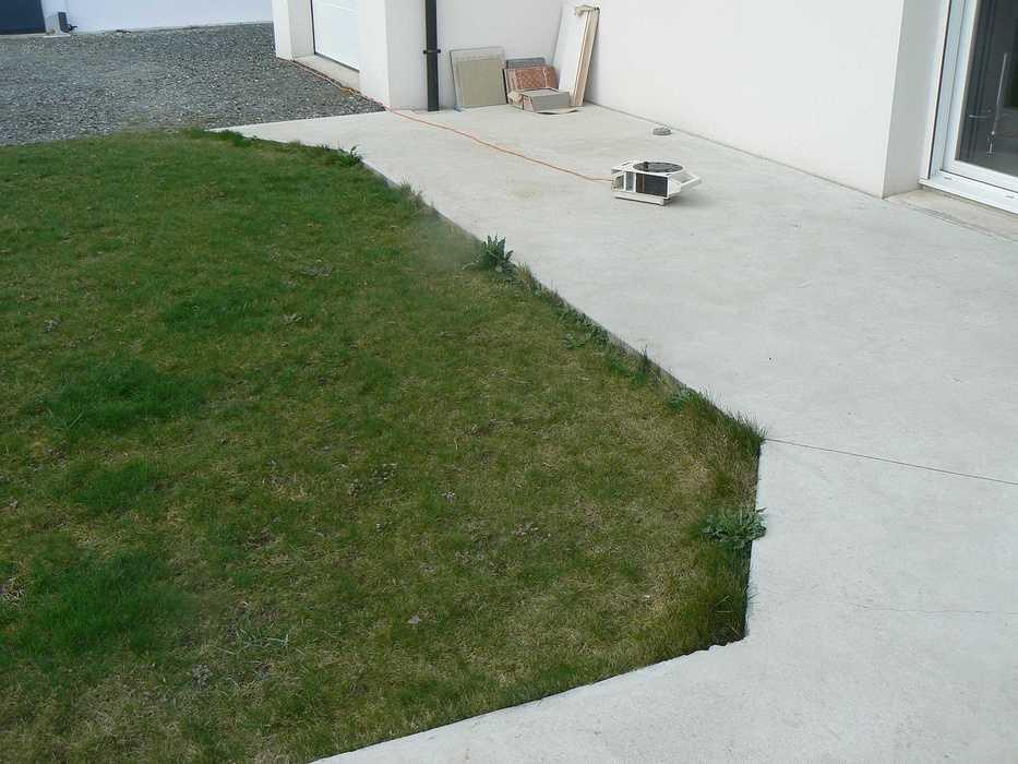 Réaménagement de la terrasse et de la cour - HILLION p1320098