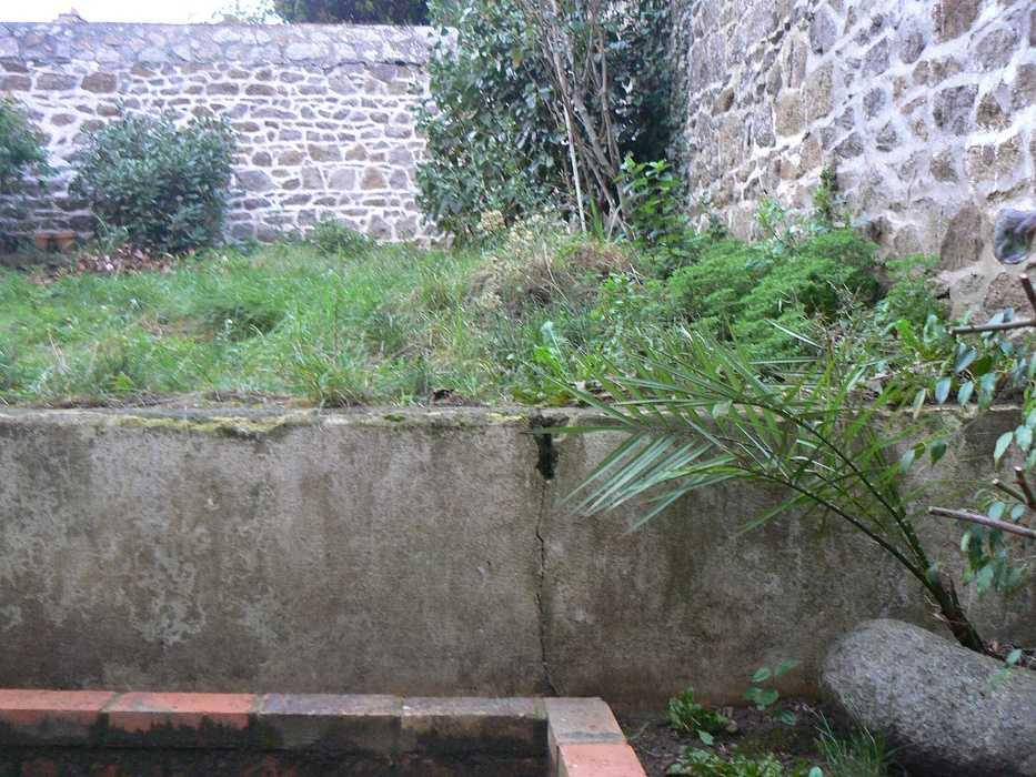 Aménagement d''un espace terrasse dans un jardin de ville - SAINT-BRIEUC p1220774